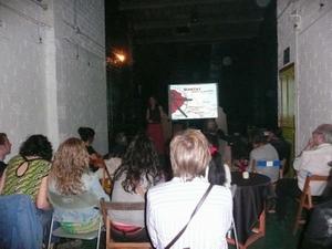 Éxito de asistencia en el acto de presentación de Amics de Mantay en la Bombeta